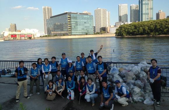 毎月開催 水辺の清掃活動/ Waterfront Cleanups